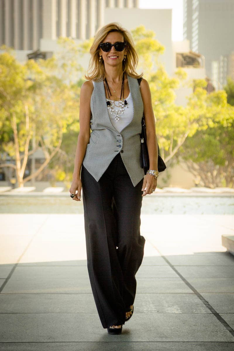 What-Are-Your-Thoughts-On-Womens-Vests-www.jacketsociety.com-(3-of-9)