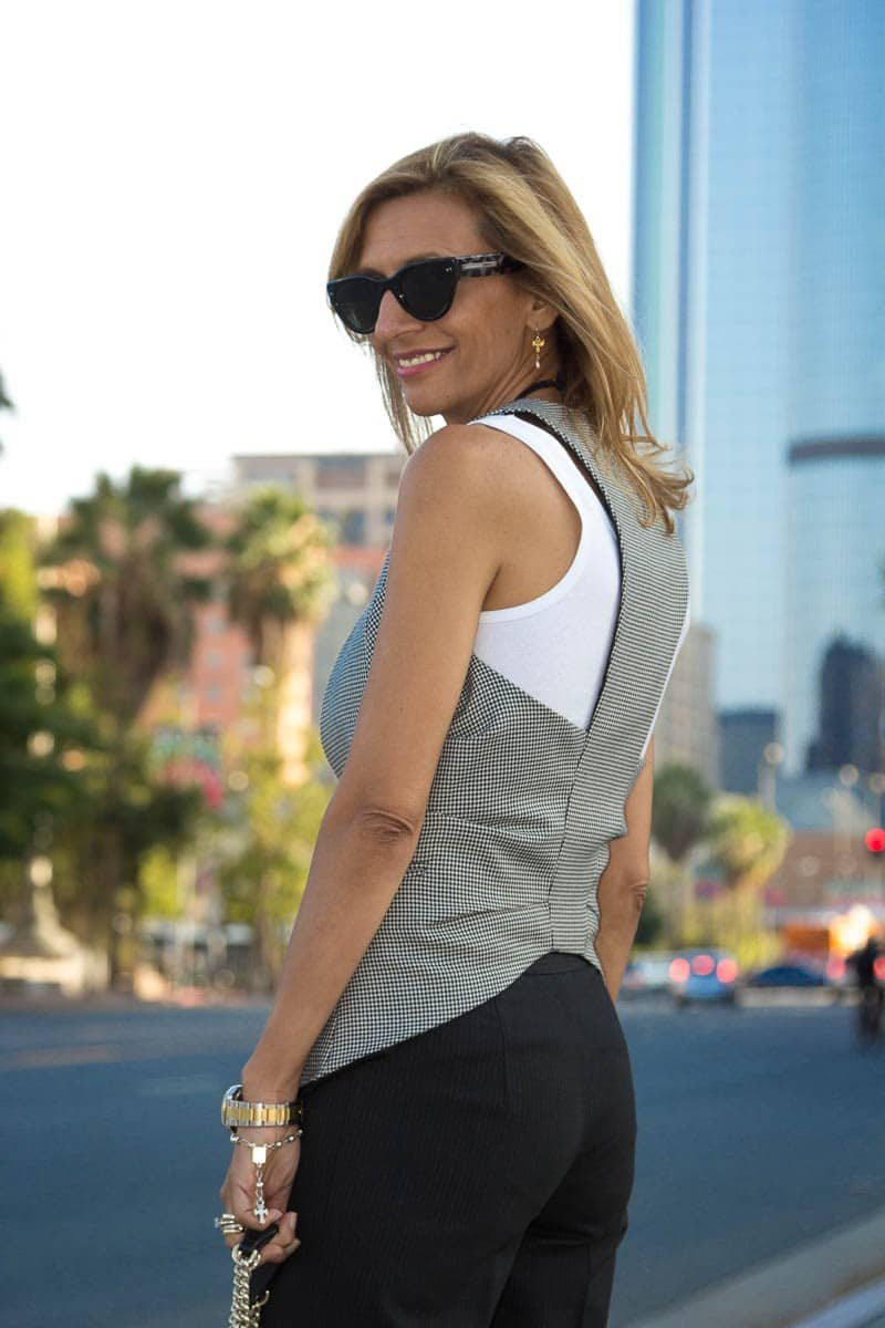 What-Are-Your-Thoughts-On-Womens-Vests-www.jacketsociety.com-(6-of-9)