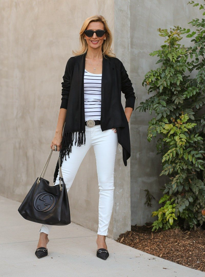 Jacket-Society-Black And White Is Always Chic--0076