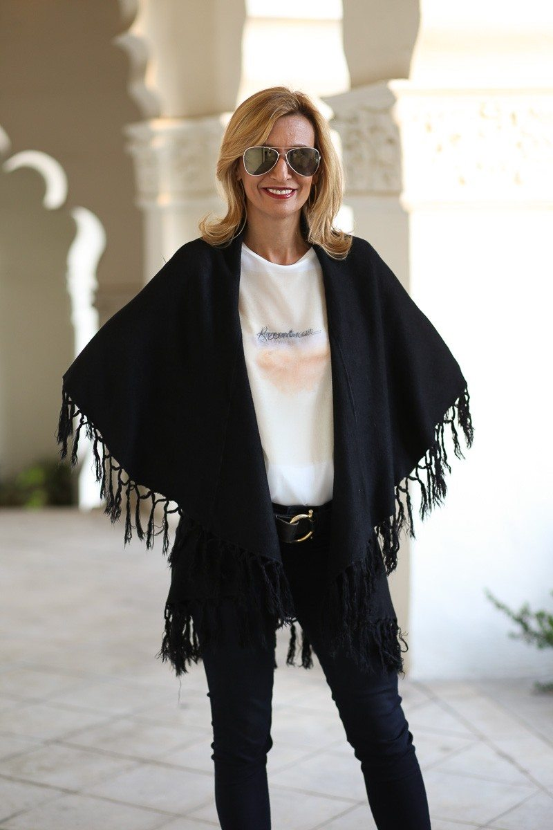Jacket-Society-Our_Fun_Cape_Vests_In_Three_Colors-0398