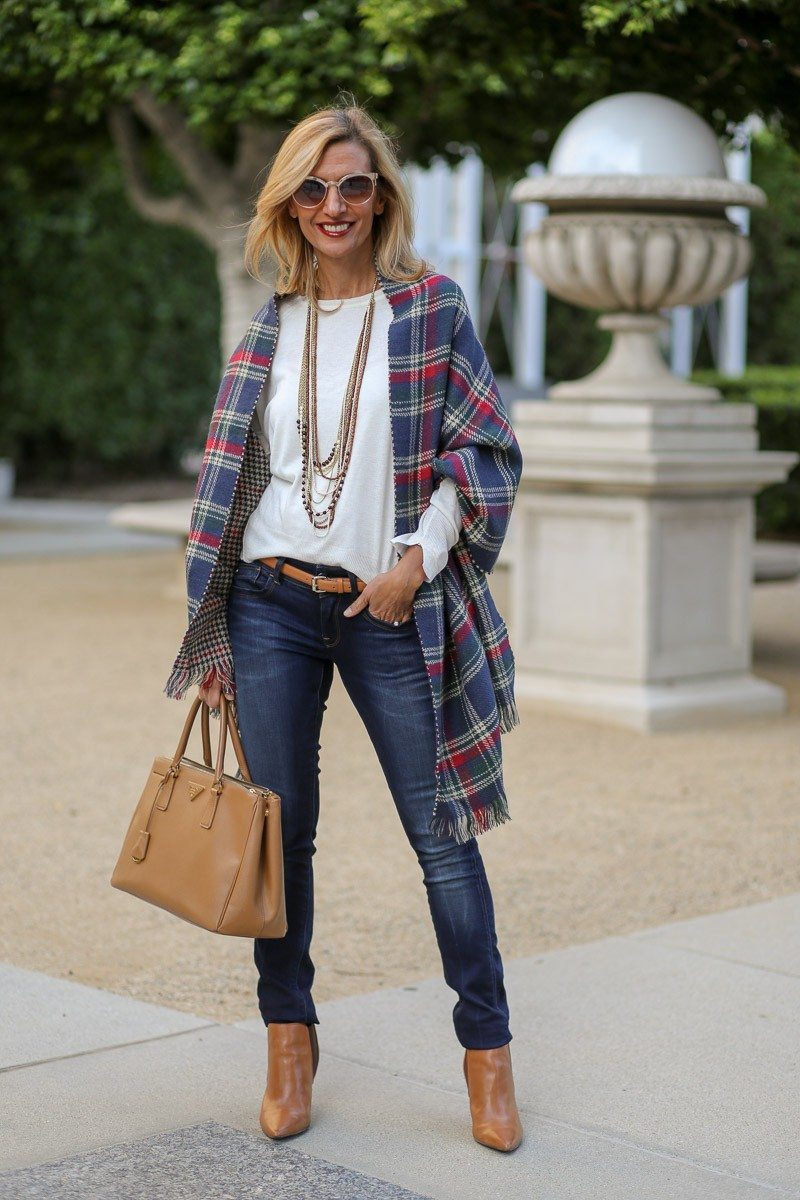 Jacket-Society-Our_new_Reversible_Plaid_And_Hounds_Tooth_Wrap-1089