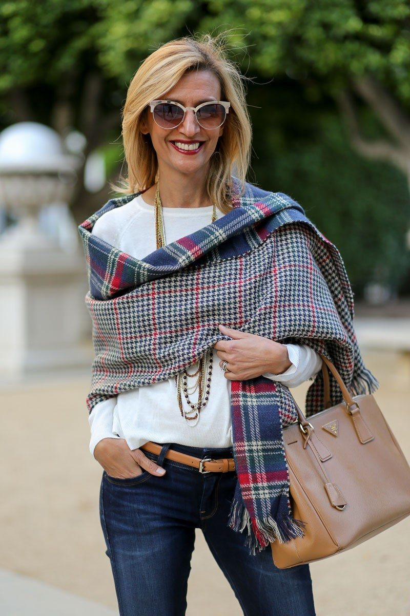 Jacket-Society-Our_new_Reversible_Plaid_And_Hounds_Tooth_Wrap-1104