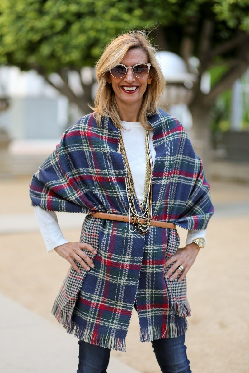 Jacket-Society-Our_new_Reversible_Plaid_And_Hounds_Tooth_Wrap-1138