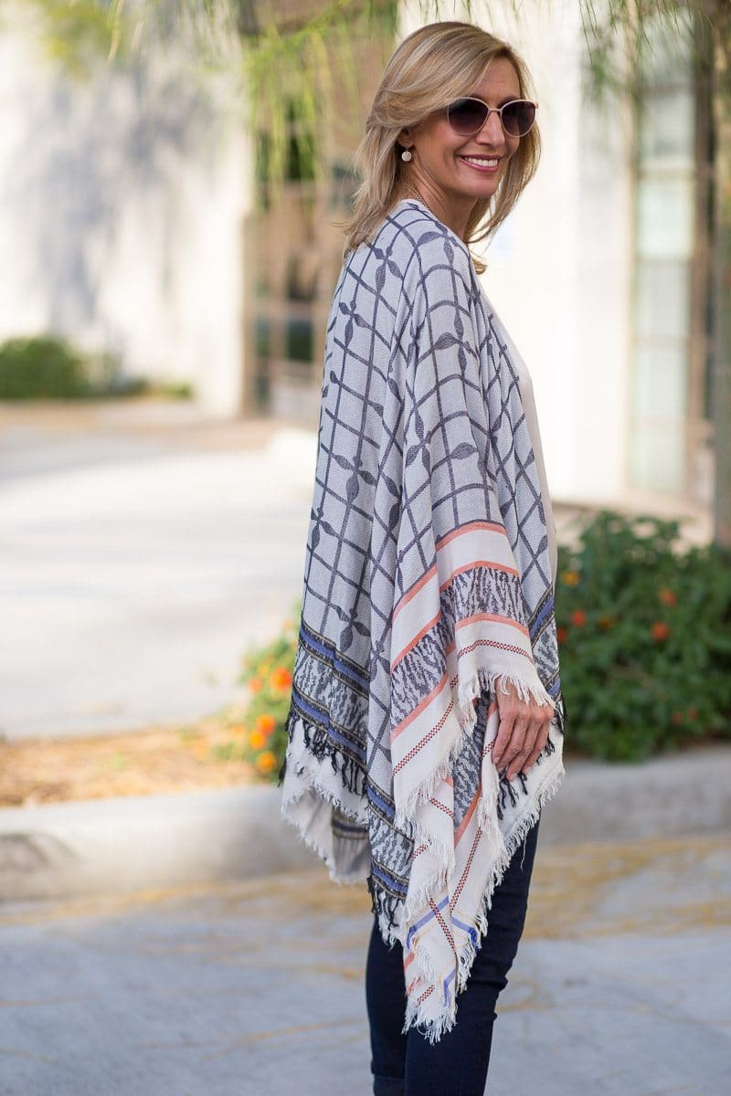 Jacket_Society_Our Spring Boho Print Ponchos And Co-Hosting A Link Up-3763