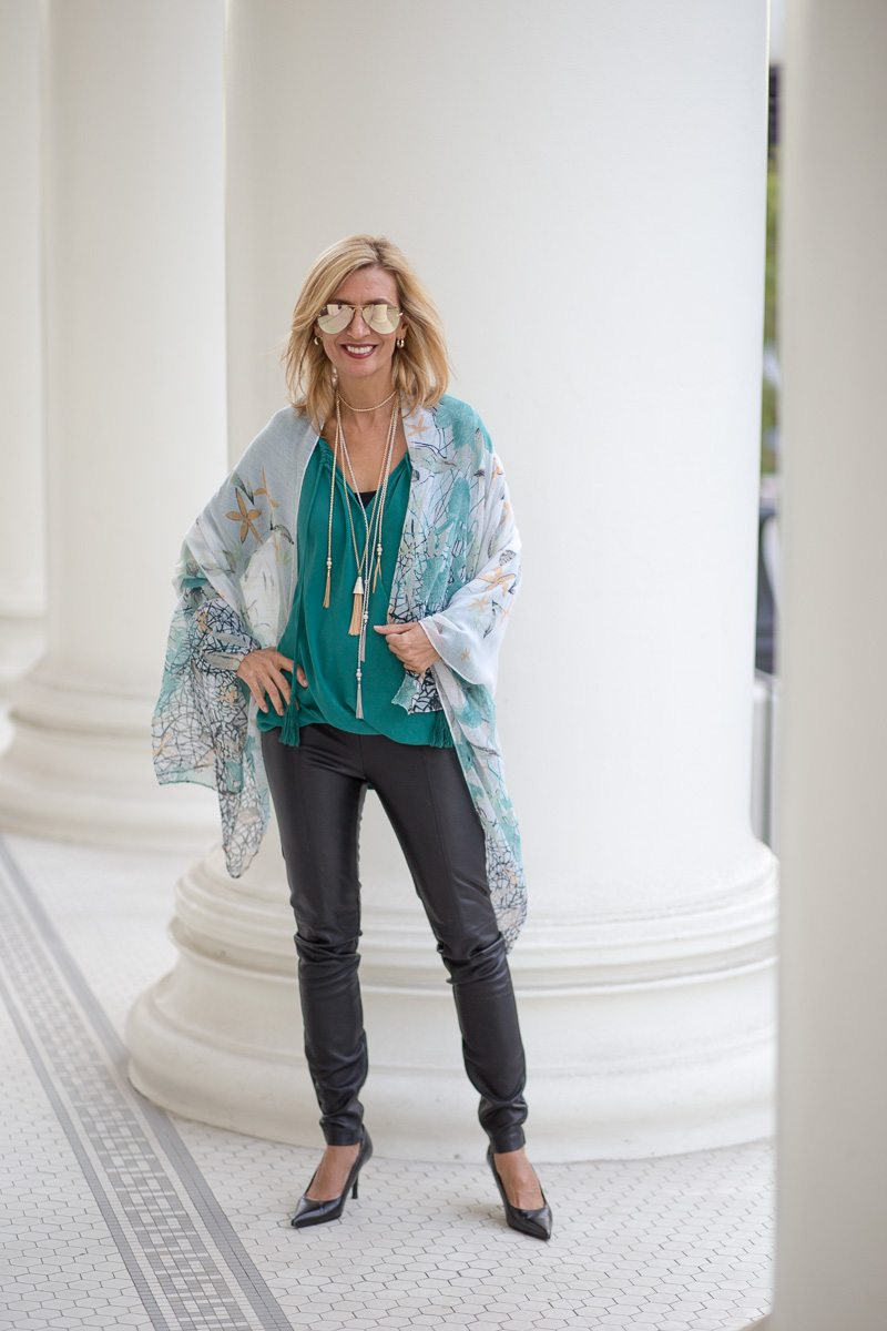 chic-and-easy-holiday-party-look-jacket-society-9769