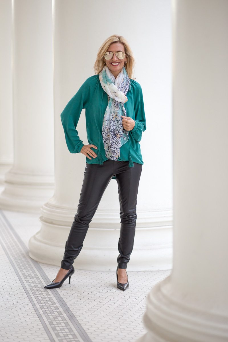 chic-and-easy-holiday-party-look-jacket-society-9777