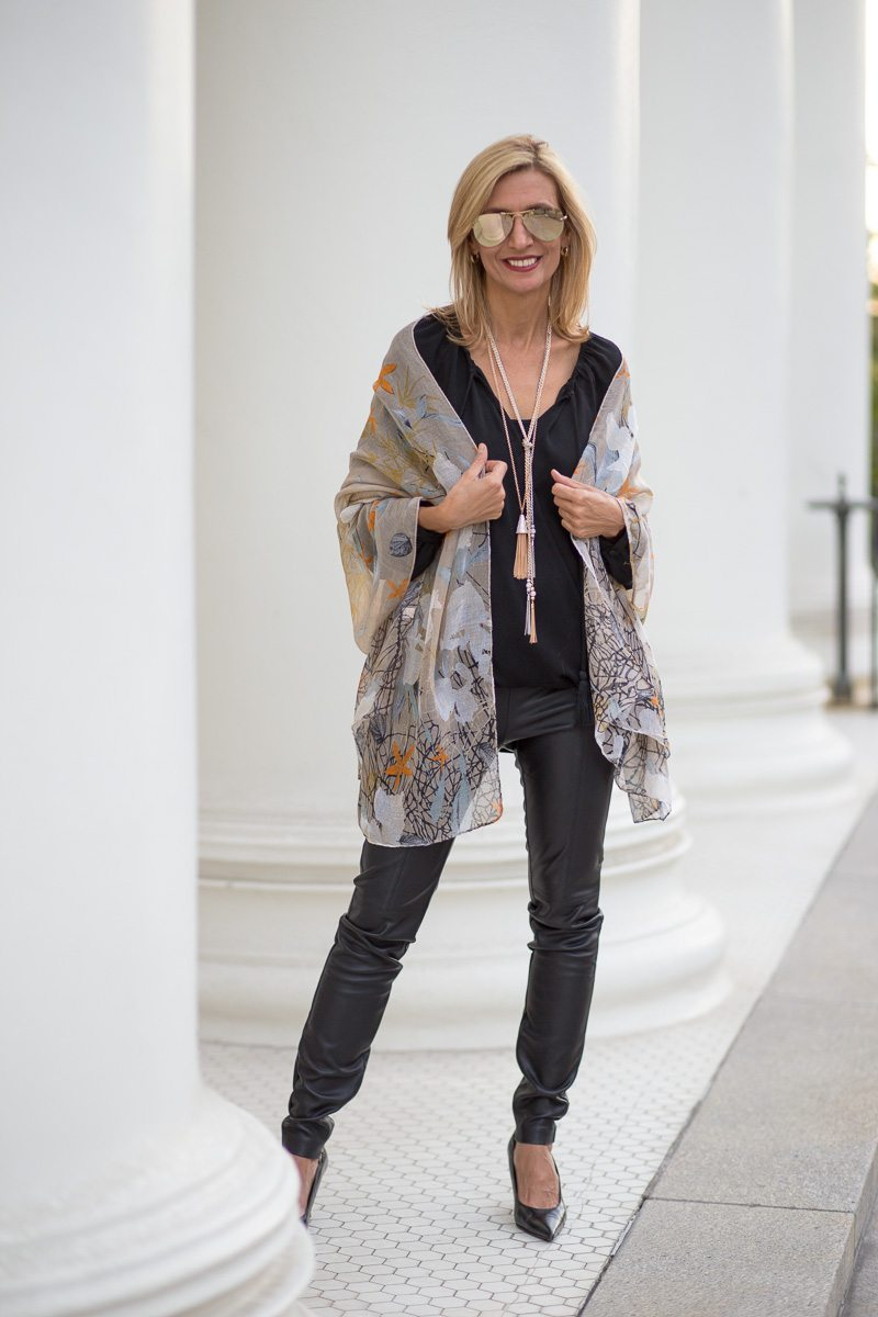 chic-and-easy-holiday-party-look-jacket-society-9795