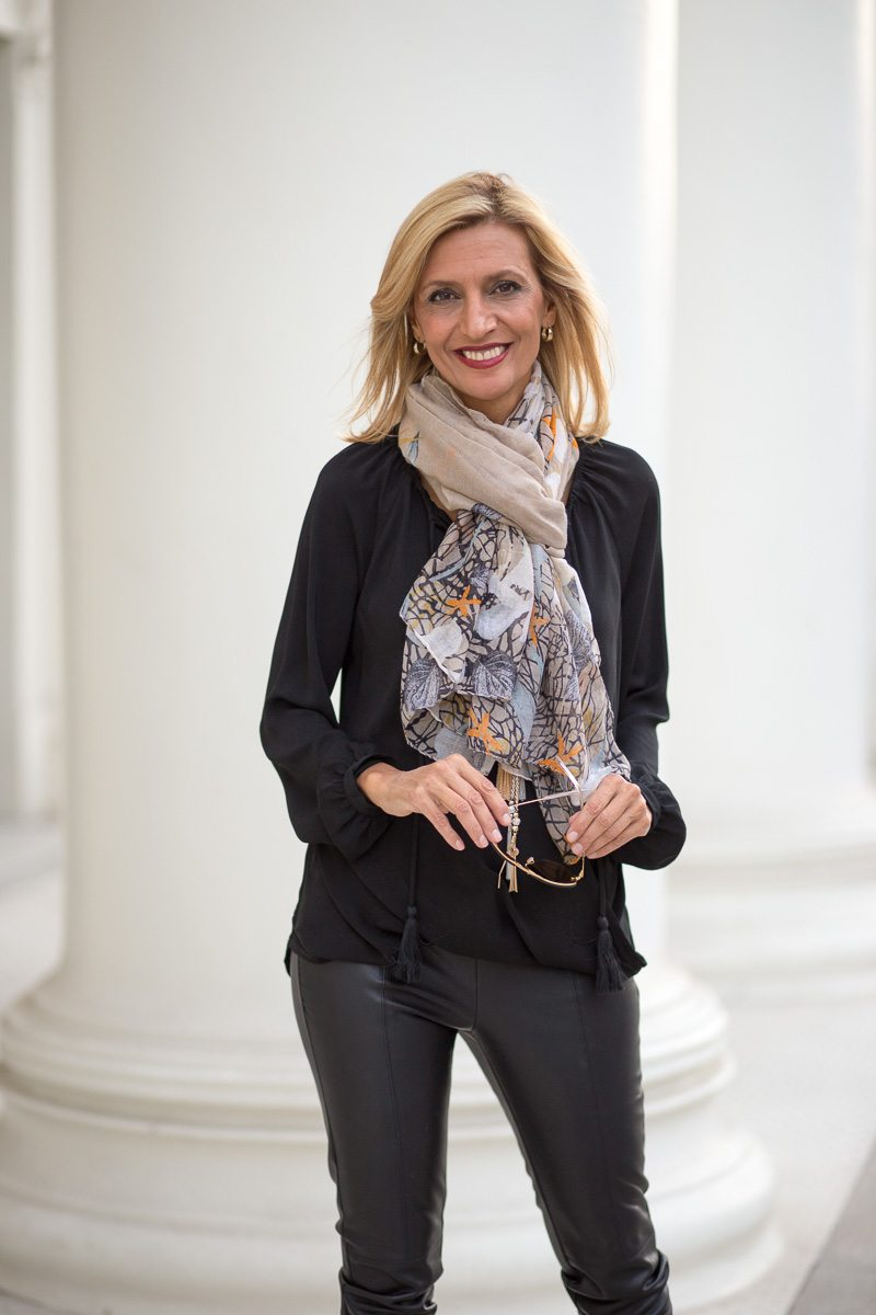 chic-and-easy-holiday-party-look-jacket-society-9815