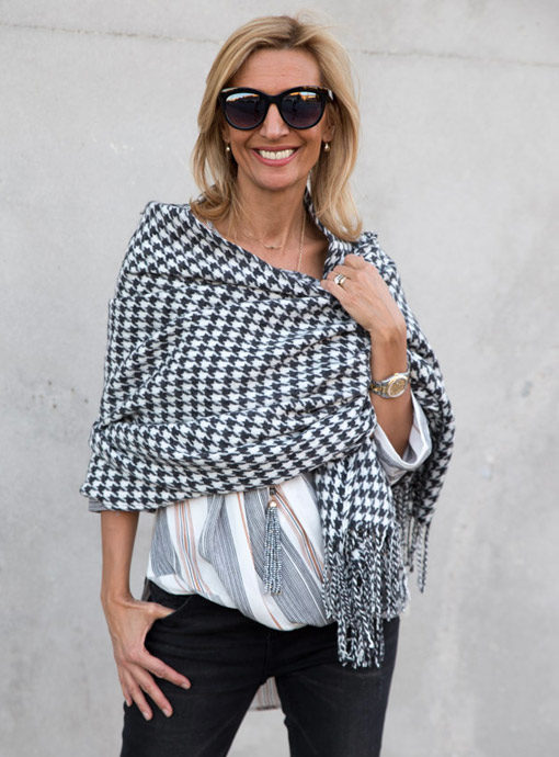 charcoal and white houndstooth shawl