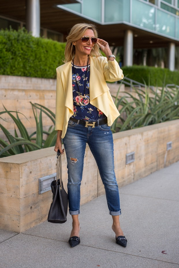 How to look good in jeans and a floral t shirt