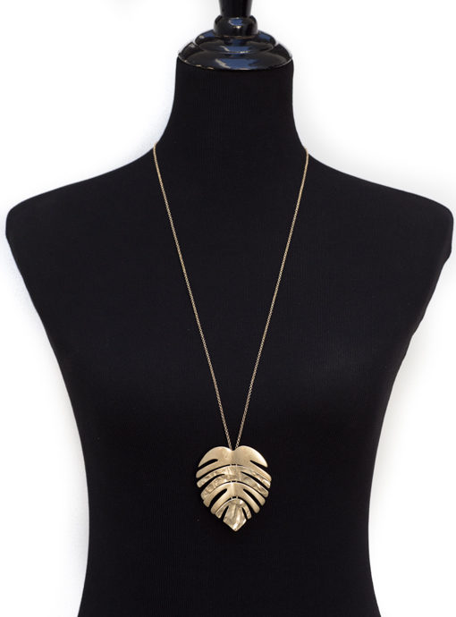 Gold Tone Chain Necklace With Gold Leaf