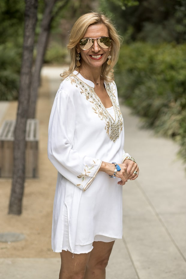 white Tunic Top With Gold Embroiderey