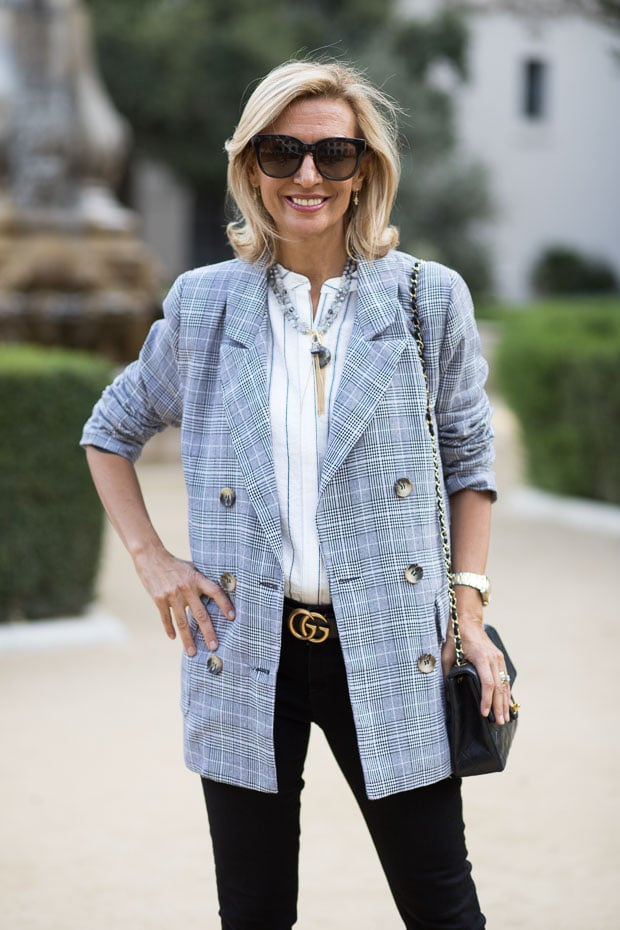 fall trend for women double breasted gray plaid blazer un buttoned