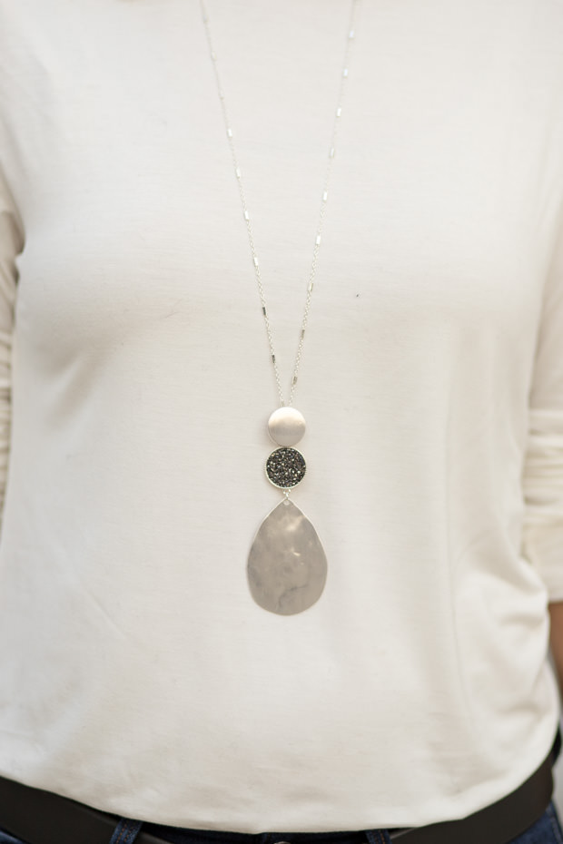 silver chain necklace with silver pendant