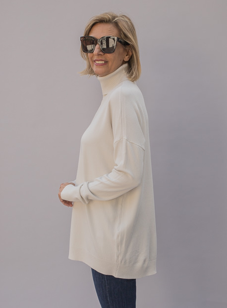 Cream Turtleneck Front Seam Sweater