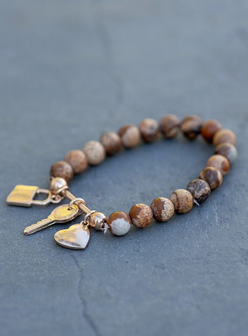 Tan Marbleized Bead And Charm Bracelet