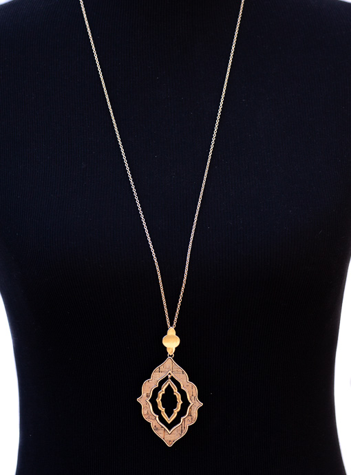 Gold Chain And Cork Moroccan Flower Shape Necklace